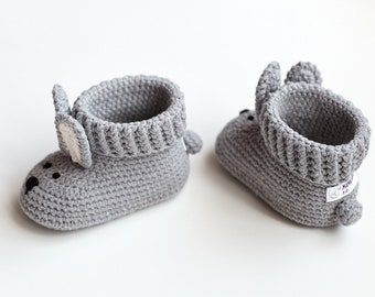 New parents gift Newborn shoes gift Expectant gift Pregnancy booties Animal baby shoes slippers New mom gift basket Funny pregnancy gift