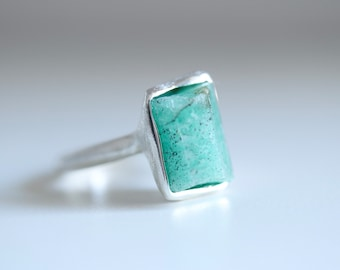 Emerald ring. Sterling silver ring with natural Emerald crystal. Rough Emerald, raw Emerald ring, hexagonal emerald, Emerald crystal ring.