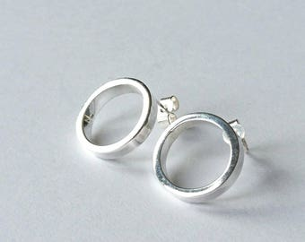 Sterling silver handmade rectangle wire circle earrings, hallmarked in Edinburgh.