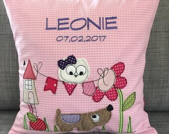 Name cushions with a sweet OWL motif