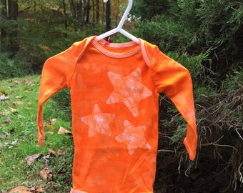 Star Baby Bodysuit, Orange Star Baby Bodysuit, Orange Baby Bodysuit, Gender Neutral Gift, Baby Shower Gift, Batik Baby Gift (6-9 months)