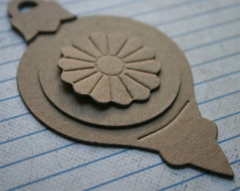3 Bare chipboard die cuts round ornament diecuts with separate medallion