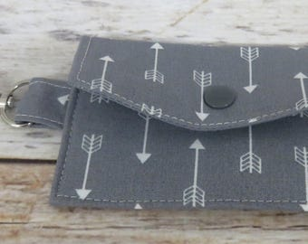 Mini Wallet with Metal Swivel Clasp - Gift Card Holder - Debit Credit Card Case - Business Card Case - White Arrows on Gray Fabric