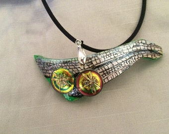 Dragonfly Gourd Necklace:  Czech Glass Dragonflies