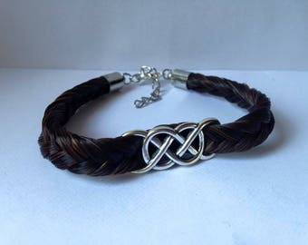 Bracelet made of horsehair with a double threaded infinity sign