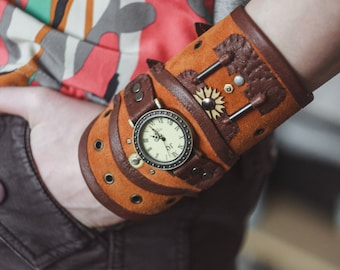 Steampank leather wrist watch, Leather steampunk bracelet, Steampunk leather wristband, Steampunk cosplay, Steampunk leather cuff