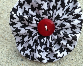 Black and White Houndstooth with Red Button Alabama Football Ruffle Dog Collar Flower