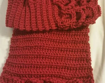 Beret and Scarf set with Scalloped edging Slouch hat Hat and Scarf set Crocodile Stitch Mermaid Scale Burgundy Ladies Winter Wear Gift Set