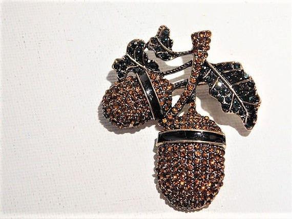 Early Vintage Heidi Daus Unsigned Brooch / Swarovski Crystal / Rhinestone / Double Acorn and Leaf