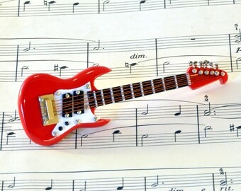 Electric Guitar Brooch Pin in Case - Guitar Gift - Fender Stratocaster - Music Brooch