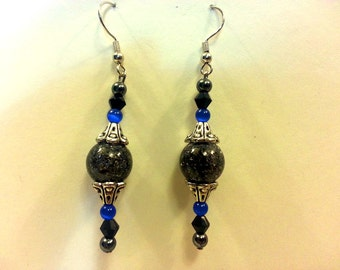 Dark Gazing Crystal with Blue Accents