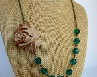 Green Wedding Jewelry Beige and Green Bridesmaid Flower Necklace Set Botanical Nature Inspired Jewelry Statement Rustic