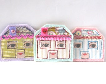 Tiny House Brooch, Mint, Dolls House, Fabric Brooch -  Wearable Art