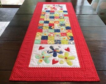 Red Patchwork Quilted Table Runner.Handemade.Applique.Table Topper. Flower Buttons.Red Table Topper.Home decor. Unique. Housewarming Gift.
