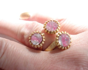 Vintage Antique Pink Givre Faceted Glass Three Stone Matte Satin Gold Plated Adjustable Ring Sweet Valentine