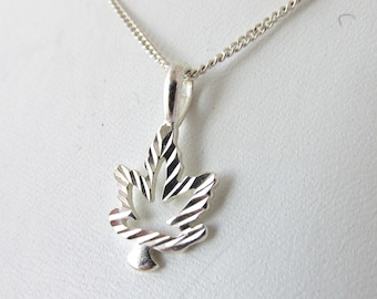 925 Silver necklace and pendant maple leaf