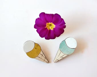 Only lot. No. 6. Two pins in the shape of ice cream