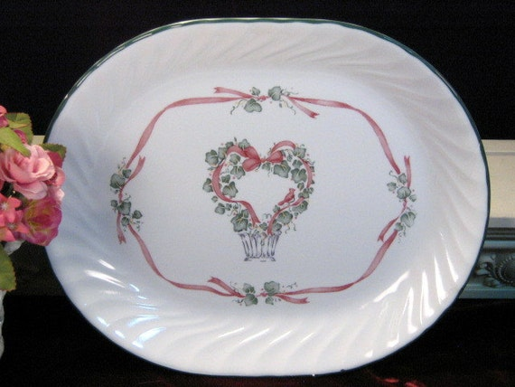Like this item? & Vintage Corning Ware Corelle Callaway Holiday Christmas Heart