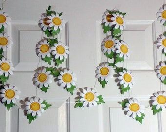 White Daisy Garland...Beautiful White Shasta Daisy...9 Feet of Gorgeous Daisies...3 piece Flower and Leaves...Home Decor...Photo Prop...Swag