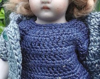 "Antique German all bisque porcelain dollhouse doll, marked 510, 13,5cm/ 5.3"""
