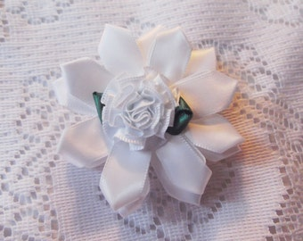 White Kanzashi flower, white hair bow, child's christmas flower hair clip