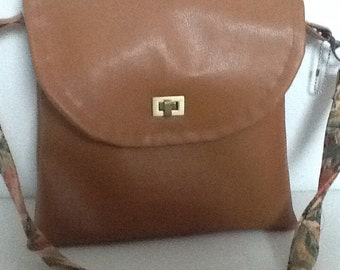 Tan brown faux leather shoulder bag