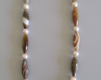 Brown Pattern Agate with Freshwater Pearl Necklace