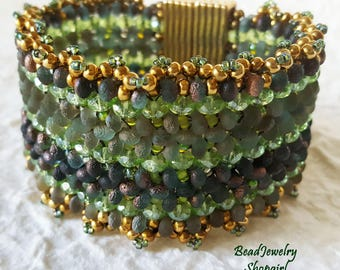 Green Fringed Etched Farfalle & Crystal Bracelet
