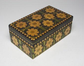 Vintage Arts & Crafts straw work wooden box, made circa 1920