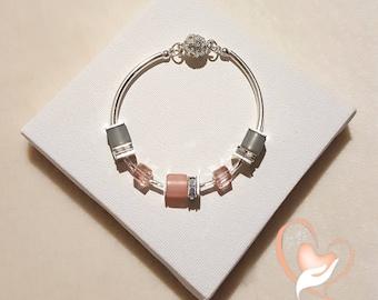 Pink bracelet elegant pale silver-the heart of the arts
