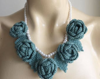 Crochet Necklace-Pearl Wedding Necklace-Seafoam Rose Necklace-Crochet Wedding Pearl Rose Necklace