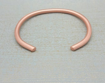 Copper bangle / Ladies open cuff bracelet / 7th Anniversary gift / modern hand forged Copper bracelet