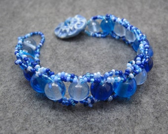 Beaded Bracelet - Blue by randomcreative on Etsy