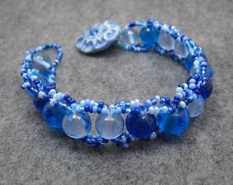 Beaded Bracelet - Blue by randomcreative on Etsy