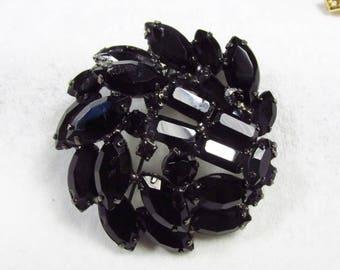 Black rhinestone mourning goth brooch pin 1950s.