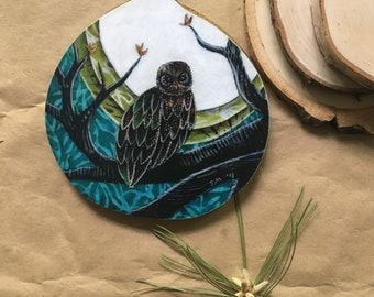 Owl art, gifts for him, watchful, fathers day gift, nature lover, one of a kind Mounted Print, round wood slice