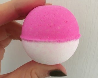 Cream Soda Bath Bomb
