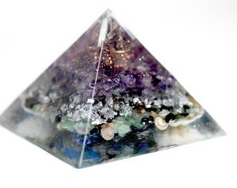 Orgone Pyramid/Energy Generator (Large) Quartz, Copper, Selenite, Amethyst, Silver, Aventurine, Lapis Lazuli, Black Agate, Sea Shells