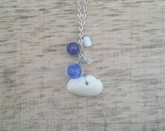 Sea shell and blue beads necklace