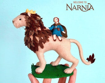 Lucy Pevensie and Aslan, The Chronicles of Narnia, Lion and girl, Softsculpture, Handmade doll