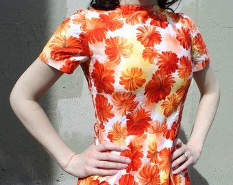 Vintage 1960's Dress // 50s 60s Orange Red and Yellow Tropical Floral Cotton Day Dress // Rockabilly Pin Up