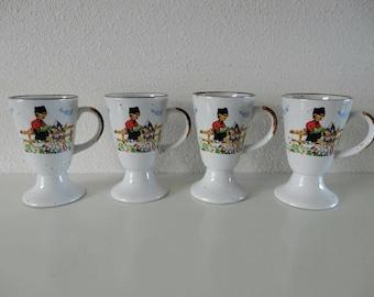 4 Mugs with Dutch motif