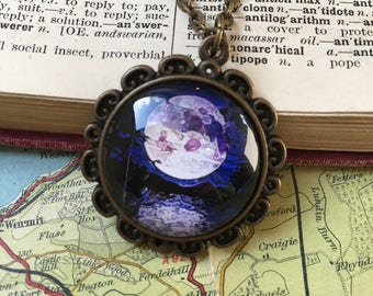 Pendant Necklace Full Moon Twilight Night Gothic Antique Vintage Style Chain Resin Setting Birthday Mother's Day Ladies Gift