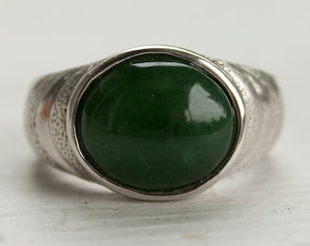 Green Nephrite Jade Cabochon Ring - 925 Sterling Silver