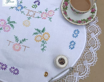 Vintage Circular Cotton Floral Tray Cloth - Hand Embroidered Vintage White Table Linen - Pink Blue Flower Embroidery Design - Daisies Blue
