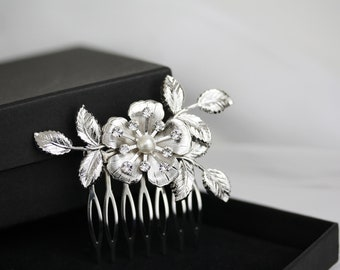 Small Bridal Hair Comb Flower and Leaf Comb Silver Hair Clip Wedding Hair Accessories Pearl Hair Comb LISSE