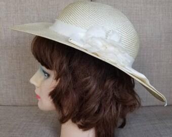 Vintage Women's White Broad Brimmed Straw Hat
