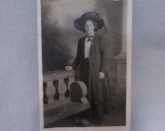 Vintage Unused  Post Card of Woman in an Enormous Hat  PPC145