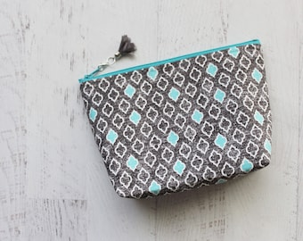 Gray cosmetics organizer bag - gift for wife - pretty make up bag - grey makeup case - cosmetics bag - small toiletry case - zipper pouch