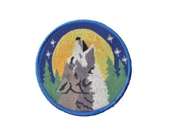 """Howling Wolf Patch - 3"""" Round patch, Sew-on applique, Gray wolf applique, Wiccan pagan, Embroidered patch, Moon stars, Animal patch"""